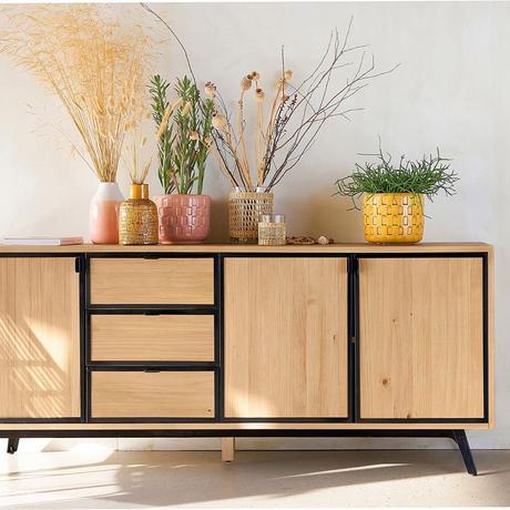 décoration accumulation vase coloré buffet bas rangement bois noir