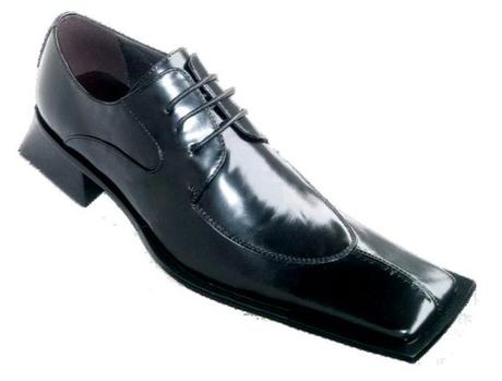 chaussure homme noire allongée et carrée