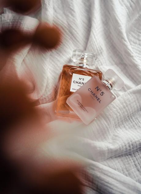 CHANEL N°5, le parfum iconique fête ses 100 ans
