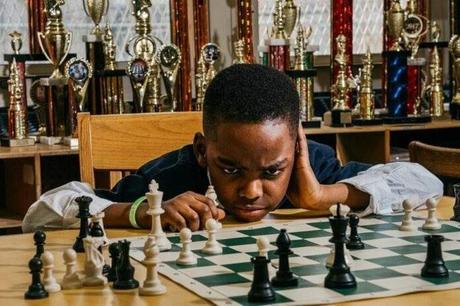 A 10 ans, il devient maître national américain d'échecs