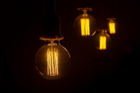 Les suspensions avec des ampoules filament