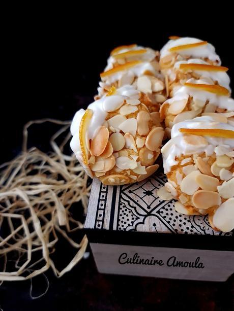 Ghriba aux amandes fourrée à la ganache chocolat blanc-orange