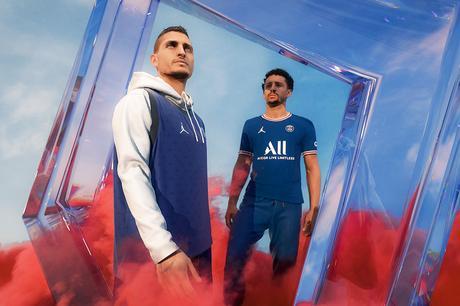 Le PSG présente son nouveau maillot domicile 2021/22