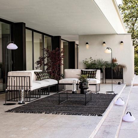 fauteuil moderne extérieur terrasse design structure acier blanc