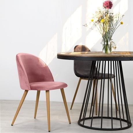 Chaise scandinave en velours rose et pieds en métal imitation bois (lot de 2) - Cozy