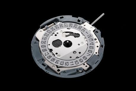 mécanisme de montre Miyota calibre 0t45 vue de devant