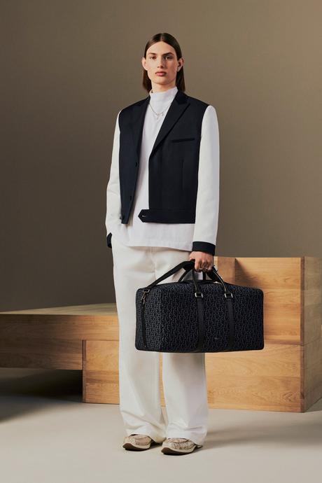 Dior Homme présente sa collection Resort 2022