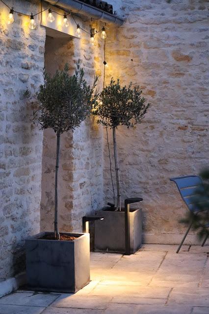 Comment choisir son éclairage solaire de jardin?