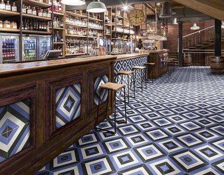 bar retro carrelage en ciment losange bleu carreaux