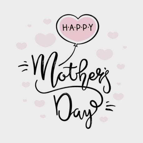 Idées cadeaux : quoi offrir à une jeune maman ou à sa maman pour la Fête des Mères ?
