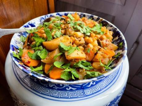 Petit mélange – Cocotte de pois chiches et légumes de printemps