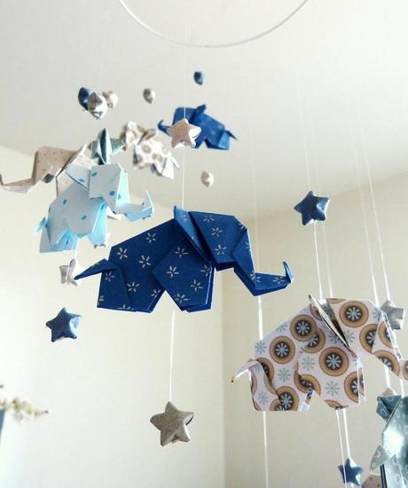 mobile bébé origami éléphants bleu motifs chambre nourrisson - blog - clemaroundthecorner