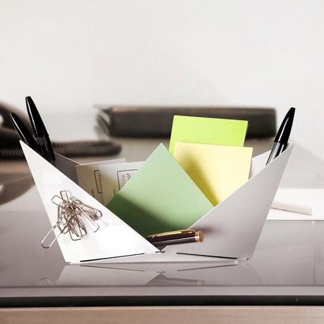 bateau blanc origami vide poche bureau stylo aimante - blog déco - clemaroundthecorner