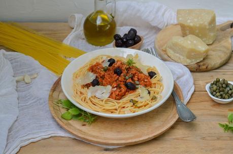 Spaghetti au thon et à la tomate à l'italienne