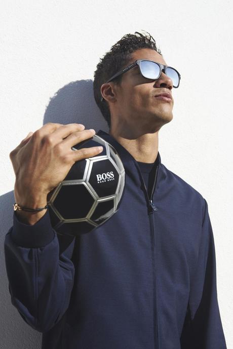 Raphaël Varane présente la collection de lunettes Boss printemps/été 2021