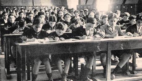 La gratuité absolue de l'école primaire a 140 ans en France