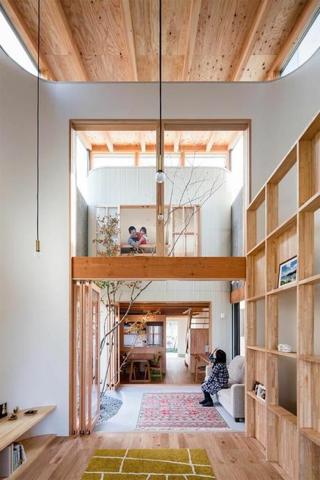 décoration minimaliste japonais haute étagère bois tapis coloré rectangle