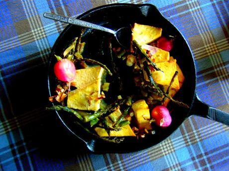 Tofu aux asperges et radis à l'érable et à la moutarde