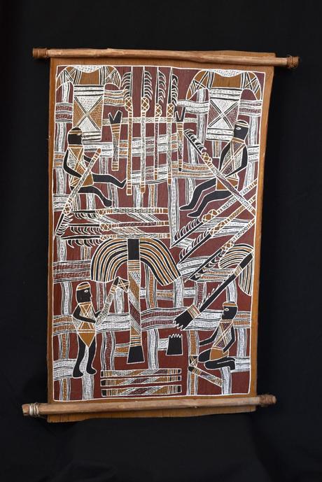 Focus sur une peinture sur écorce aborigène de Galuma MAYMURU