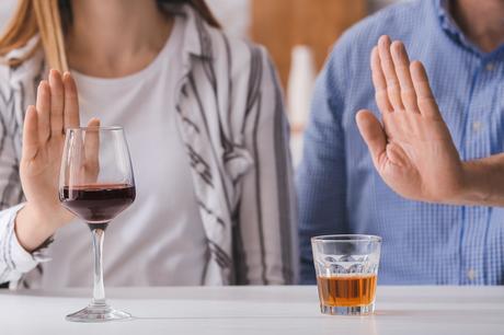 Le passage de la dépendance à l'alcool à une santé mentale optimale est non seulement possible mais pas si « rare » que cela, en particulier chez les personnes plus âgées (Visuel Adobe Stock 321951129)