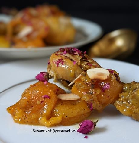 Tajine de poulet aux abricots, safran et barberries.