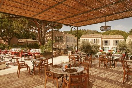 Lou Pinet Saint-Tropez, l'adresse qui ravive l'esprit chic du St-Trop' d'autrefois