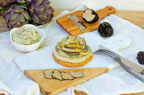 Tarte fine aux artichauts et à la truffe d'été
