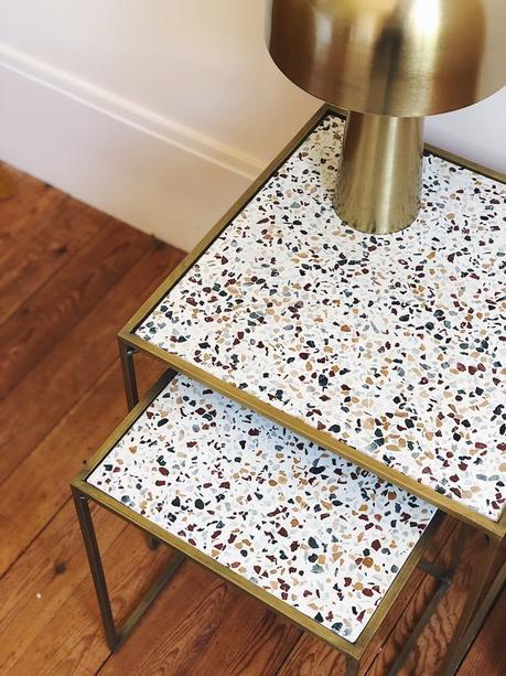 table granito carré armatures laiton parquet bois lamé déco salon chambre blog clematc