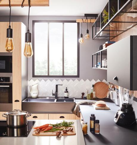 cuisine noire bois industrielle moderne design carrelage chevron biais
