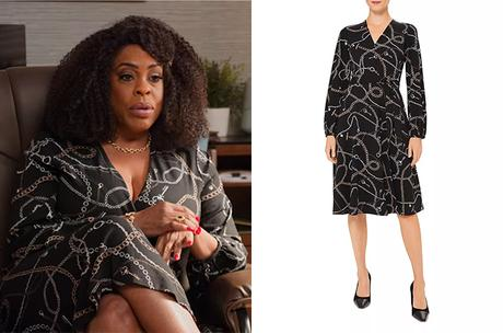 NEVER HAVE I EVER : Dr. Jamie Ryan's chain print dress in S2E07