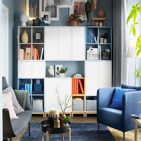 salon bleu gris armoire blanche plante verte deco moderne