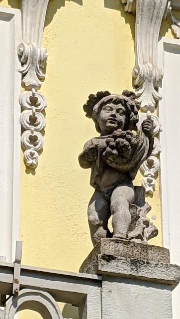 Barocke Statuen in Bayreuth —  14 Bilder / 14 photos— Statuaire baroque à Bayreuth