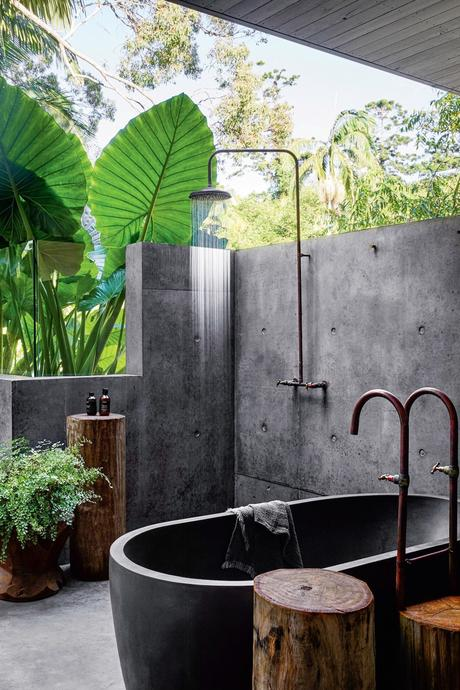 salle de bains extérieur suite parentale douche italienne donnant jardin