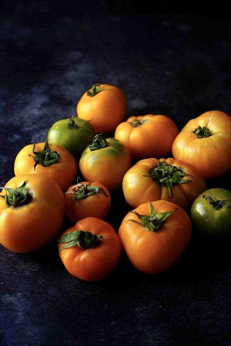 Salade tomates jaunes, maïs , mozzarella et basilic