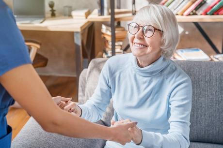Seniors : isolement social, comment y remédier ?