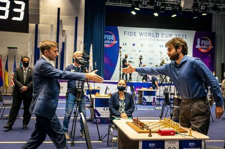 Sergey Karjakin se qualifie pour les demi-finales de la coupe du monde d'échecs