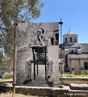 Une exposition-promenade photographique sur le festival d'Avignon dans le Jardin des Doms