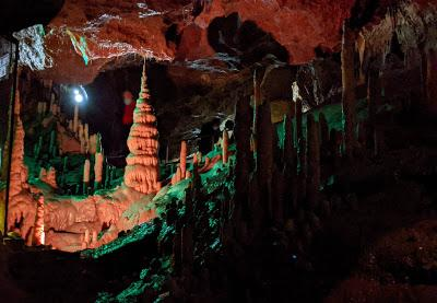 Die Teufelshöhle in Pottenstein — 22 Bilder / 22 photos  — La grotte du diable de Pottenstein