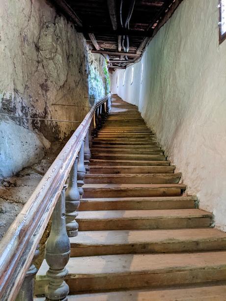 Pottenstein /Schloss und Kirche / Le château et l'église) — 20 Bilder / 20 photos