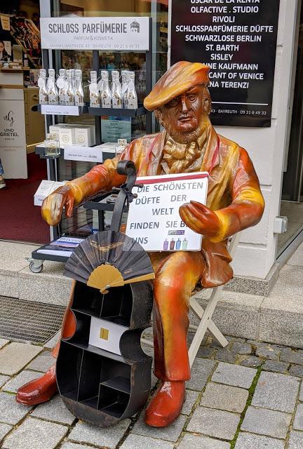 Bayreuth — Richard Wagner als Parfum-Verkäufer / Wagner en vendeur de parfums