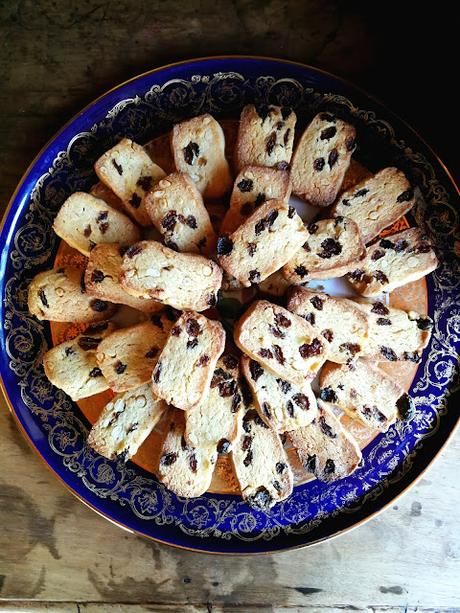 Zaletti aux raisins secs & aux pignons