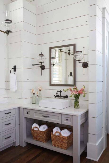 salle de bain gris perle sol parquet déco intérieure vintage clematc