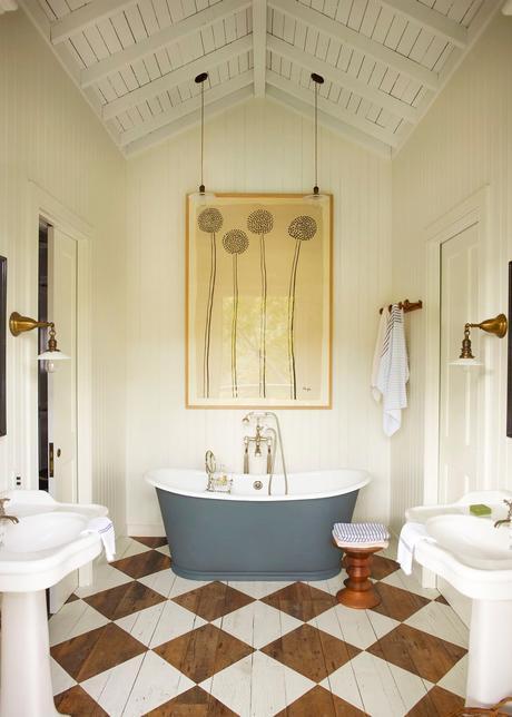 salle de bain baignoire bleu gris parquet bois déco losange blog déco intérieure clematc
