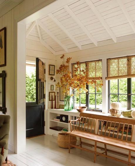 porte d'entrée banquette bois mobilier blanc déco nature style cottage blog déco