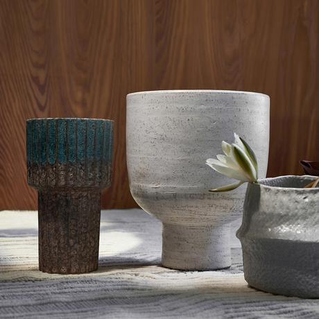 cache-pot design artisanal gris grès cérame terre cuite