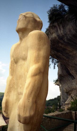 eyzies-neanderthal-vu-par-darde.1217498184.jpg