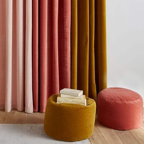 siège rond velours bille poire déco jaune moutarde velours orange rose rideau terracotta velvet