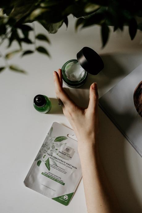 crème visage corps soin routine beauté naturelle plante verte