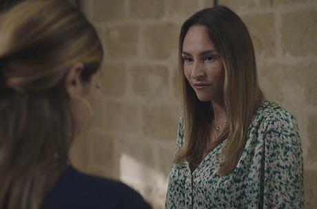 ICI TOUT COMMENCE : la jolie blouse imprimée de Rose dans l'épisode 218