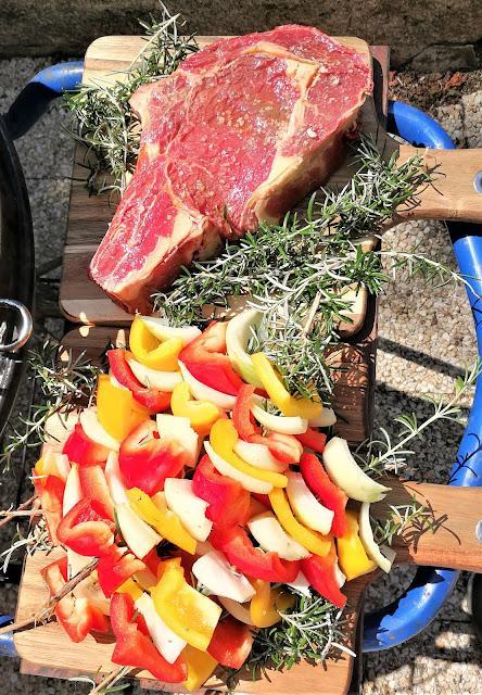 Brochettes de romarin aux poivrons et oignons
